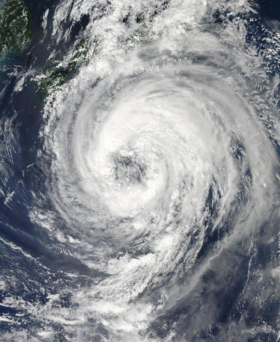 Le typhon Talas vu du ciel
