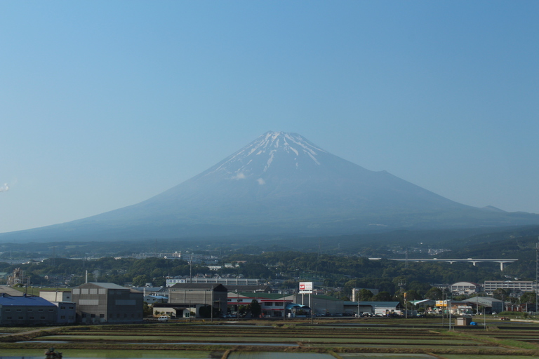 Le mont Fuji vu depuis le shinkansen entre Nagoya et Tokyo Shinagawa le 24 mai 2013 lors de mon deuxième voyage